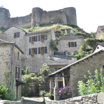 Brousse le Château, um dos mais belos vilarejos da França